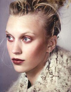 Vogue Japan October 2014 | Juliana Schurig by David Slijper [Beauty]
