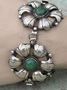 VINTAGE MEXICAN STERLING SILVER & GREEN TURQUOISE FLOWER BRACELET