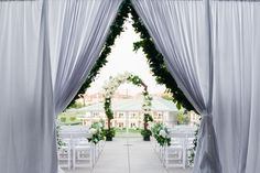Outdoor wedding at @fsdallas, white and green wedding | Events by @mullen_kristin