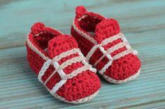 Crochet Pattern for Boys Baby Crochet Shoes Auroch by Inventorium, $6.40