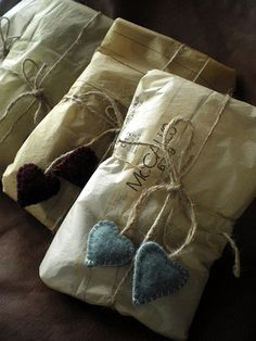 lovely present wrapping idea.......