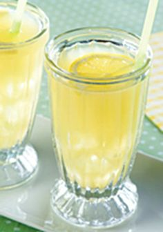 Amelia Island Punch — Lemonade drink mix is prepared with pineapple juice and served over crushed ice for a refreshing tropical party punch.