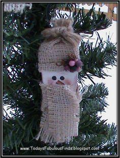 Today's Fabulous Finds: Paint Stick Snowman {Tutorial}