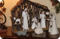 the stable... i have the nativity but not a stable..need to try this