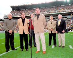 The first game at Heinz Field.  Governor Tom Ridge addresses #SteelersNation prior to kick-off.