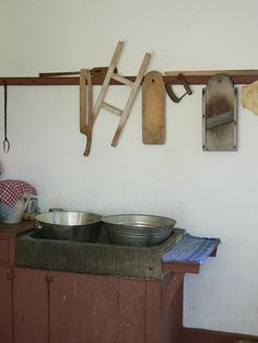 Early American kitchen utensils