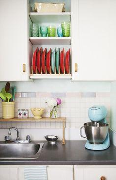 Plate rack inside a cupboard? Genius!