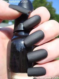 Black matte nails <3