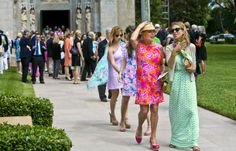 Of course Lilly Pulitzer's funeral would be one full of color and prints she designed. That's the Lilly Pulitzer way.