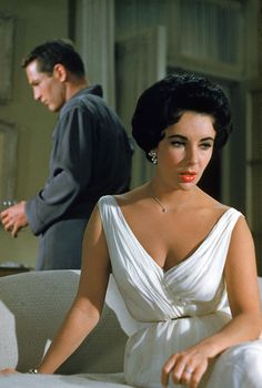 Paul Newman & Elizabeth Taylor in Cat on a Hot Tin Roof (1958). Dress: Helen Rose.