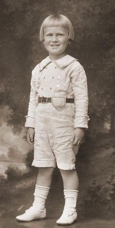 SHARED BY THE RALEIGH DeGEER AMYX COLLECTION - A #PRESIDENT THAT WAS AN ADORABLE BABY - Gerald R. Ford