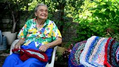 """Making Rag Rugs with """"Mom"""" Sutton"""