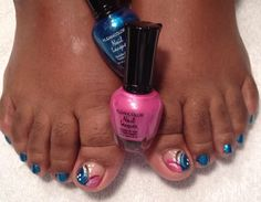 Very cute...must try this pedi design...from Nailsby Loretta