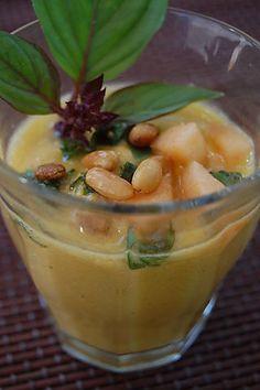 Gaspacho de melon au basilic et aux pignons - Cannelle et cacao - Vegan recipe - Recette végétalienne