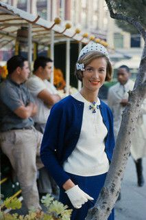 A charmingly elegant spring/summer look from 1963. #vintage #fashion #1960s #blue
