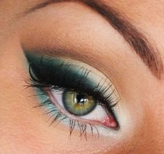 Teal wing #eyeshadow #eye #makeup #eyes #dramatic