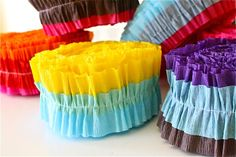 DIY Tutorial Ruffled Streamers-use to make these with my mom