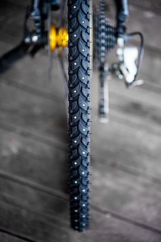 Studded snow tires for a bicycle. Winter Cycling Essentials. www.wintercyclingbook.com