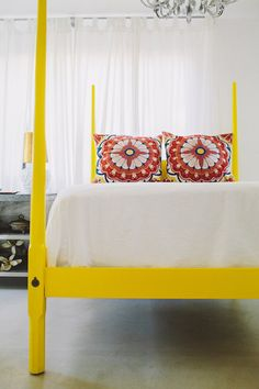 Awesome yellow bed