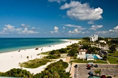 Lido Beach Florida is located on Lido Key and this crescent shaped beach IS really a diamond in the rough. It's right by Sarasota but offers a less populated alternative to the bustling atmosphere of Sarasota.