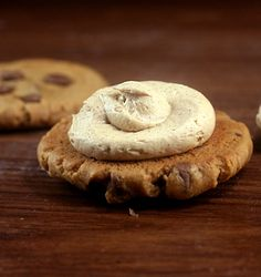 Flourless Peanut Butter Chocolate Chip Cookies with Peanut Butter Cinnamon Cream Filling