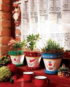 decoracao de natal com vasos de ceramica