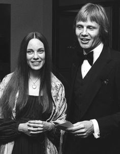 Marcheline Bertrand and Jon Voight-parents of Angelina Jolie:-)She's so like her mum:-)
