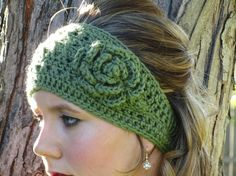 crochet headband @Kaylyn Tanner Schlegel- were totally making these