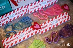 Valentines Day Treat Ideas  #howdoesshe #valentinesday #treatideas #holidays #classvday #valentiensprintables #easygifts  howdoesshe.com