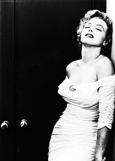 Marilyn Monroe photographed by Philippe Halsman, 1952.