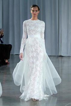 Monique Lhuillier | Fall 2013 @Julia Schulkers http://www.momento.com.au/inspiration/perfect-for-wedding-photos