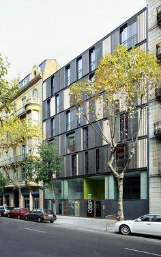 Barcelona / Edificio de Viviendas CASP 74 / Bach Arquitectes