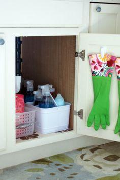 IHeart Organizing: IHeart: An Organized Cleaning Caddy!