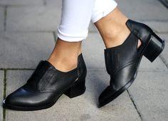 Alexander Wang #shoes Fashion, Grunge, Shoe Darl, Style, Alexander Wang Shoes, Metals, Alexand Wang, Black Shoes, Boots