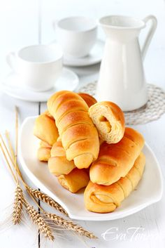 Sour cream cheese rolls