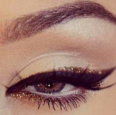nye makeup.