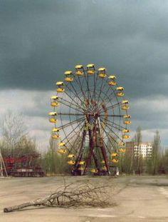 abandoned roadside amusement park