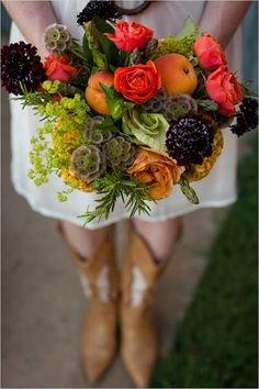 LOVE LOVE LOVE!!  paige @Trochtas Flowers, this one is for you!