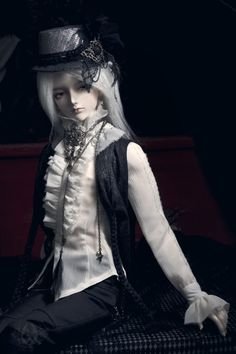A-S White Night (CL110415Z) - Alastyre needs this outfit.