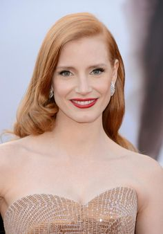 Jessica Chastain had a Medium Blonde (Natural Copper) haircolor at the #Oscars. The warm copper tone makes her fine hair look fuller, although we think she could add even more copper to the color! Get your own flattering #hair #color to cover grays right at home here: http://fabfitfun.com/revolutionize_your_hair_color_2/