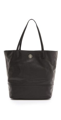 Ooh, great Tory Burch tote we'd wear every day for months. Love having all those pockets inside too to keep things extra secure.