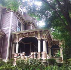This Victorian home