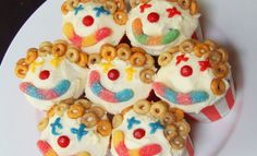 Circus Clown Cupcakes - there is no link as the photo was uploaded by user but with O's cereal, candy and icing you could easily duplicate these!