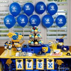 Lots of cool graduation party ideas, inspiration and how-to's!