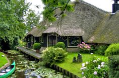 Giethoorn, Netherlands. A village with no roads-vilagutazo.blog.hu