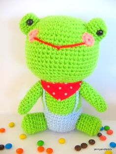 Mr.Frog- Free Amigurumi Pattern here: http://www.jennyandteddy.com/2011/04/frog-amigurumi/