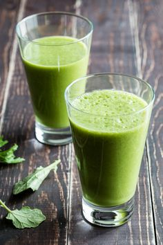 Pineapple chia green smoothie