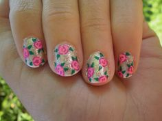 34 Beautiful Pastel  Nails Design With Flowers    Gold glitter Nails with free hand painted roses nail art