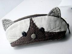 cats, travel accessories, cat pouch, accessori travel, accessori collect