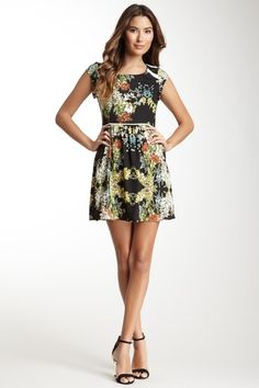 Love Stitch Short Sleeve Print Dress